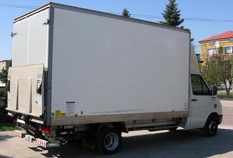 Przewóz mebli - ciężarówka